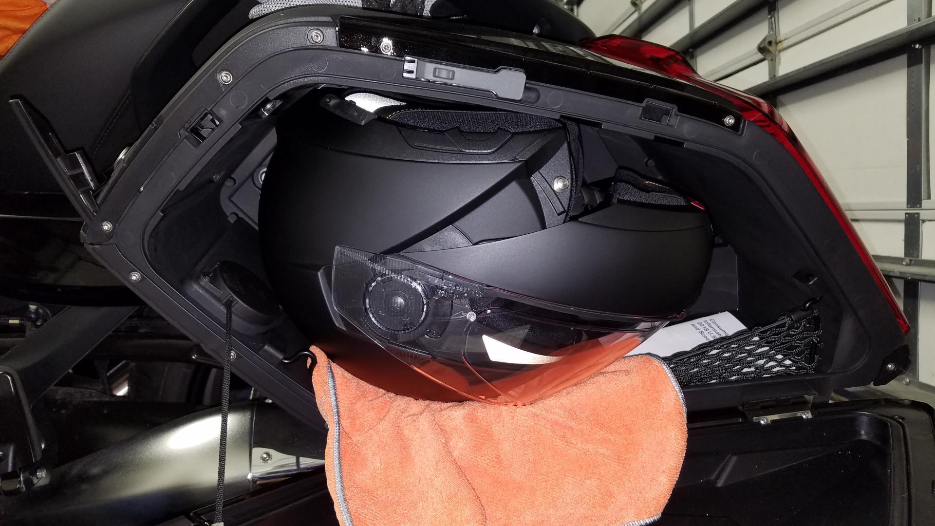 helmet in saddlebag gl1800riders. Black Bedroom Furniture Sets. Home Design Ideas